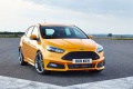 Ford-Focus_ST_2015_102paper_02