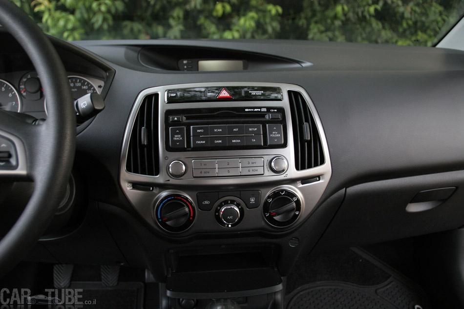 סנסציוני 2012 יונדאי i20 ידנית 1.2: מבחן דרכים – חסכונית ומשופרת - cartube QJ-89