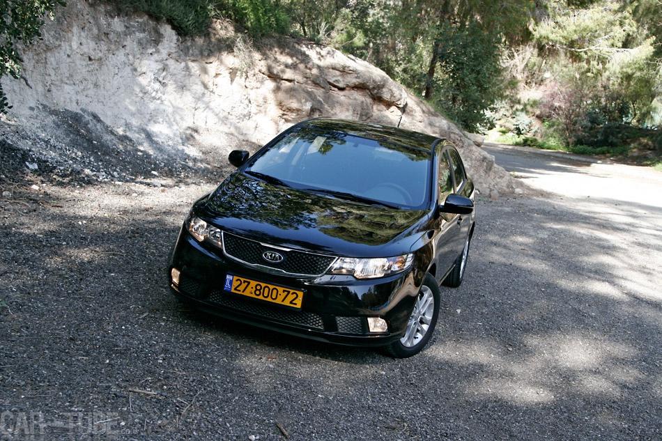 להפליא קיה פורטה 2011 : מבחן דרכים – משפחתית חסכונית - cartube MO-34