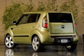 kia-soul_2010_1024x768_wallpaper_19