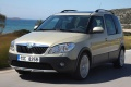 skoda-roomster_scout_2011_1024x768_wallpaper_02