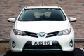 toyota_auris_hybrid_uk-spec_1