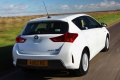 toyota_auris_hybrid_uk-spec_18